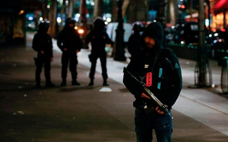 Paris : la Gare du Nord évacuée dans la nuit lors d'une opération de police - ảnh 1