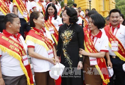 Dang Thi Ngoc Thinh reçoit des donneurs de sang exemplaires - ảnh 1