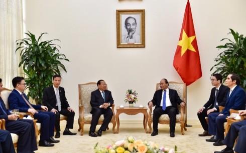 Le ministre cambodgien du Plan reçu par Nguyên Xuân Phuc - ảnh 1
