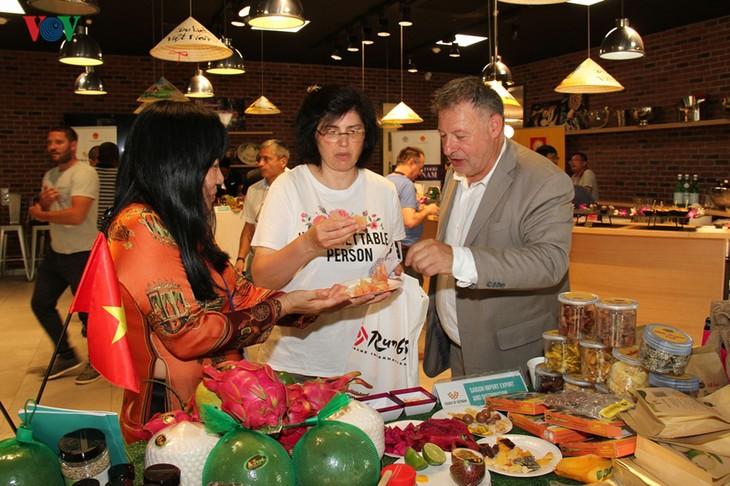 Des produits agricoles vietnamiens au marché de Rungis  - ảnh 1
