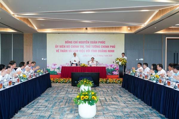 Nguyên Xuân Phuc: Quang Ninh doit profiter de ses potentiels pour développer le tourisme - ảnh 1