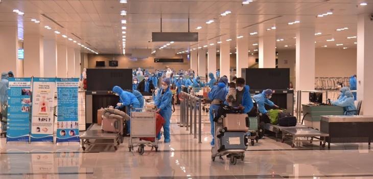 Rapatriement de 340 Vietnamiens de République de Corée - ảnh 1