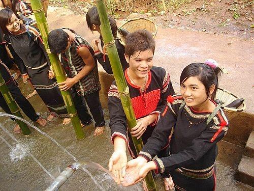 Dân tộc Ê đê  trong cộng đồng các dân tộc Việt Nam - ảnh 1