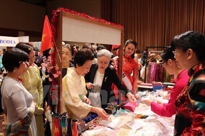 Việt Nam tích cực tham gia Hội chợ từ thiện của Hội Phụ nữ châu Á - Thái Bình Dương - ảnh 1
