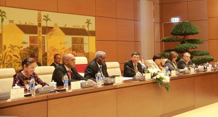 Chủ tịch Quốc hội Việt Nam hội đàm với Chủ tịch Quốc hội Cuba - ảnh 3
