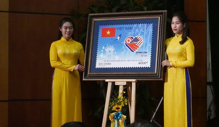 Lễ phát thành bộ tem Chào mừng Hội nghị thượng đỉnh Hoa Kỳ - Triều Tiên - ảnh 1