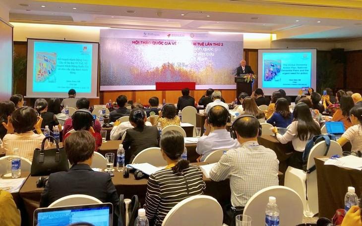 Chủ tịch Hội Alzheimer thế giới Glenn Rees: Việt Nam cần hướng tới kế hoạch quốc gia phòng chống sa sút trí tuệ - ảnh 2