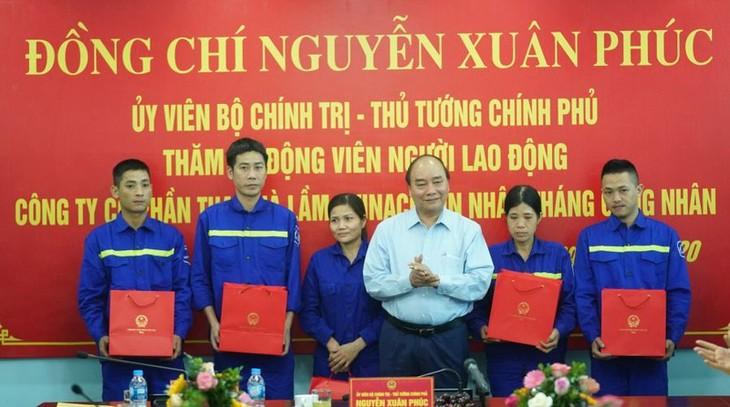 Thủ tướng Nguyễn Xuân Phúc thăm, nói chuyện với công nhân mỏ than Hà Lầm - ảnh 2
