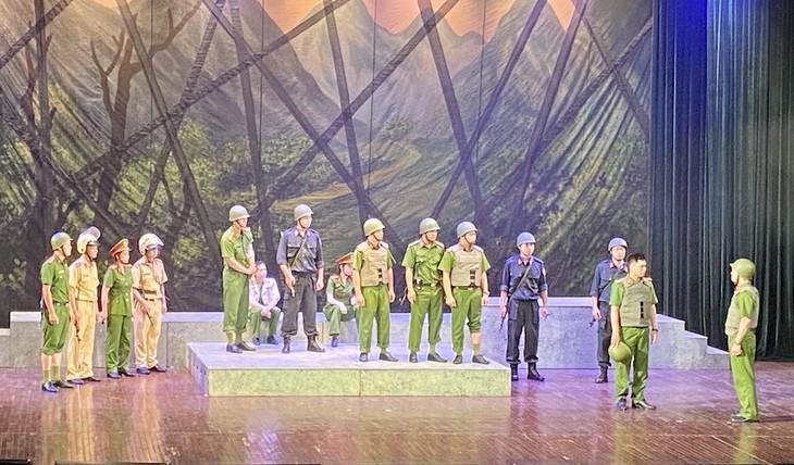 Nét mới trong liên hoan sân khấu về hình tượng người chiến sỹ CAND lần thứ IV - ảnh 1