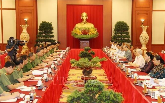 Bộ Chính trị cho ý kiến về văn kiện và nhân sự Đại hội Đảng bộ Công an - ảnh 1