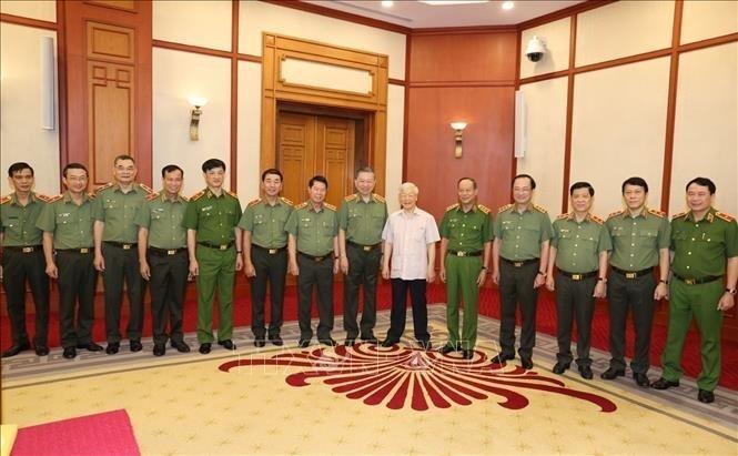 Bộ Chính trị cho ý kiến về văn kiện và nhân sự Đại hội Đảng bộ Công an - ảnh 3