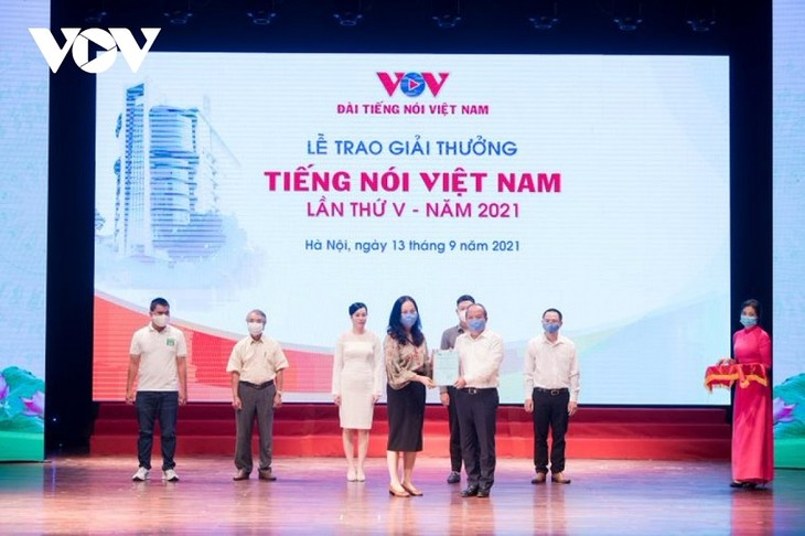 VOV trao giải thưởng Tiếng nói Việt Nam năm 2021  - ảnh 2