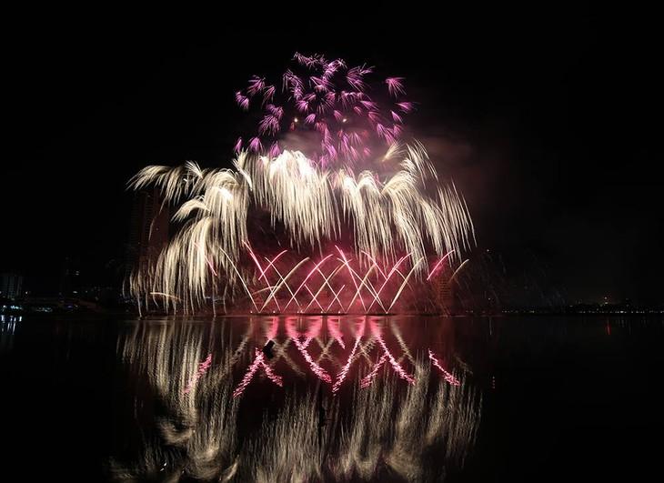 ปิดเทศกาลดอกไม้ไฟนานาชาติดานังปี 2018 - ảnh 1