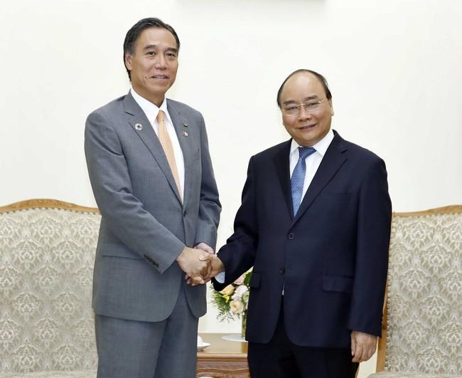 นายกรัฐมนตรีเหงวียนซวนฟุกให้การต้อนรับนาย Abe Shuichiผู้ว่าการจังหวัดนางาโนะ  - ảnh 1
