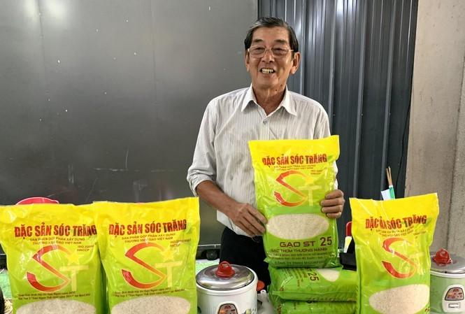 พบปะกับโห่กวางกัว วิศวกรการเกษตรผู้คิดค้นพันธุ์ข้าว ST25 ข้าวที่อร่อยที่สุดในโลก - ảnh 1