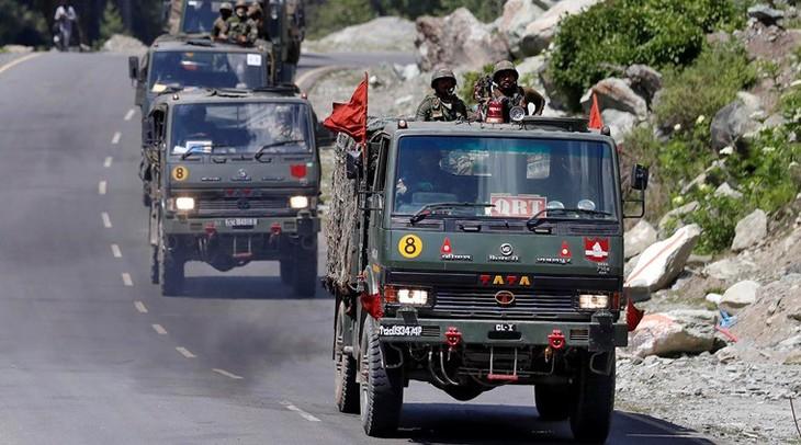อินเดียและจีนถอนทหารออกจากเขตที่มีการพิพาท - ảnh 1