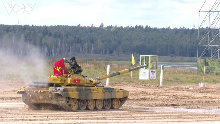 ทีมรถถังเวียดนามสามารถผ่านเข้ารอบ 4ทีมสุดท้ายในการแข่งขัน Tank Biathlon 2020 - ảnh 1