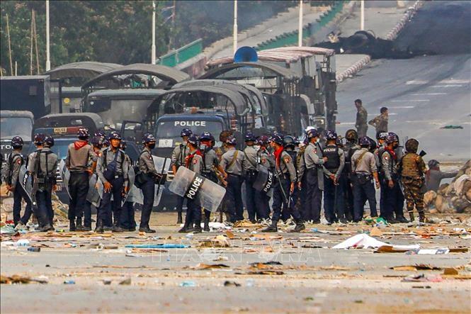 เวียดนามเรียกร้องให้ประชาคมโลกช่วยเหลือเมียนมาร์ยุติความรุนแรง ส่งเสริมการสนทนาและการไกล่เกลี่ย - ảnh 1