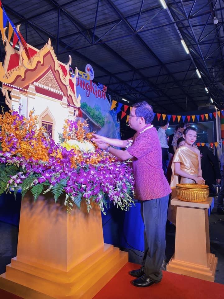งานฉลองสงกรานต์ 2021 ที่ MM Mega Market ทั่วประเทศเวียดนาม - ảnh 2