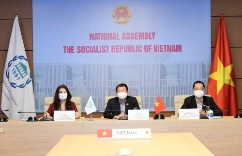 เวียดนามเข้าร่วมพิธีปิดการประชุมสมัชชาใหญ่สหภาพรัฐสภาโลกหรือ IPUครั้งที่ 142 - ảnh 1
