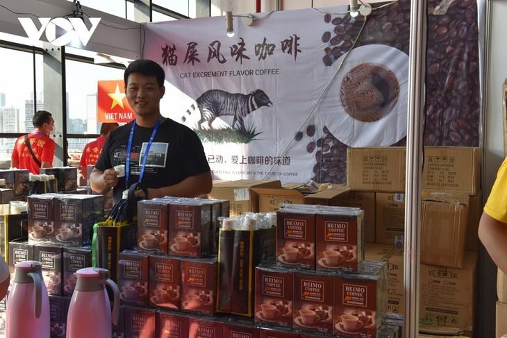 ปิดงานแสดงสินค้าอาเซียน-จีนและการประชุมสุดยอดการค้าและการลงทุนอาเซียน-จีนครั้งที่18 - ảnh 1