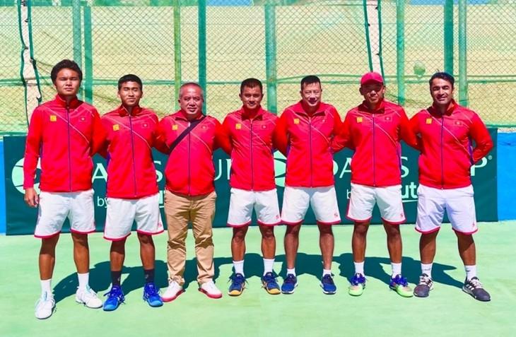 ทีมเทนนิสเวียดนามผ่านเข้ารอบเพลย์ออฟชิงเดวิสคัพ - ảnh 1