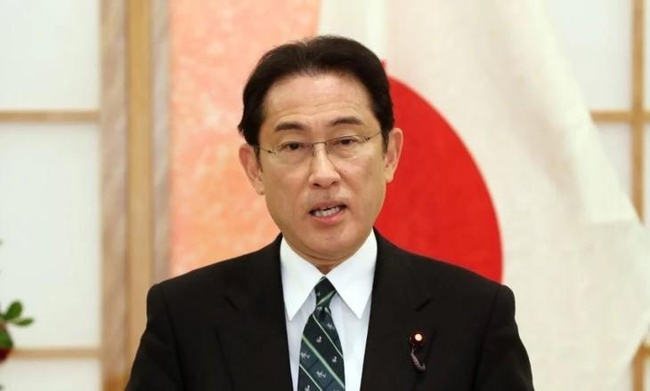รัฐสภาญี่ปุ่นเลือกนาย ฟุมิโอะ คิชิดะ เป็นนายกรัฐมนตรีคนใหม่ - ảnh 1